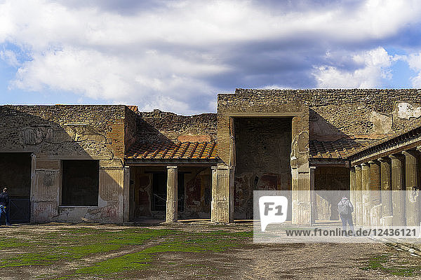 Terme Stabiane interior. 2nd century BC thermal complex  Stabian Baths  with columns at porticoed gym area  Pompeii  UNESCO World Heritage Site  Campania  Italy  Europe