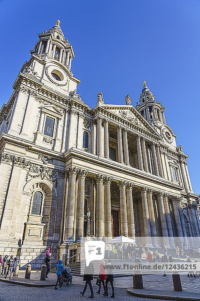 St. Paul's Cathedral  West Portico  London  England  United Kingdom  Europe