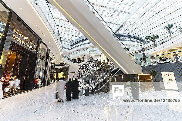 Fashion Avenue in Dubai Mall  the World's largest shopping mall  Dubai  United Arab Emirates  Middle East