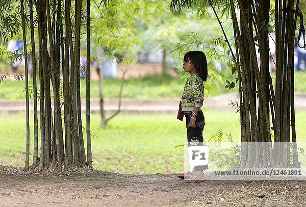 Girl  Angkor  Siem reap Province  Kingdon of Cambodia.