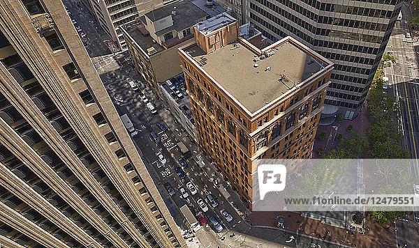 Blick von oben auf Bürogebäude in San Francisco