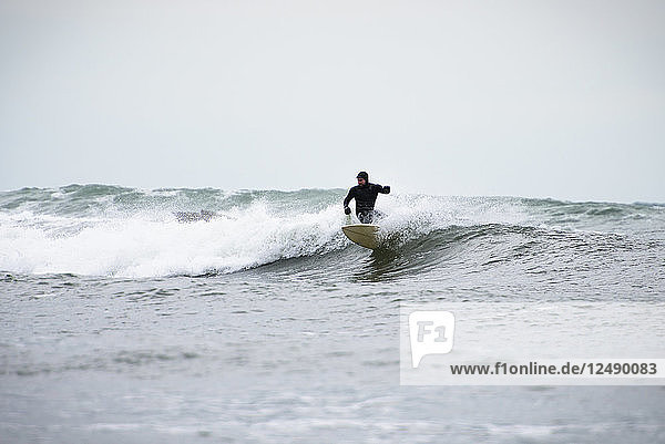 A Winter Surf At The Notable Surf Spot In Newport  Rhode Island