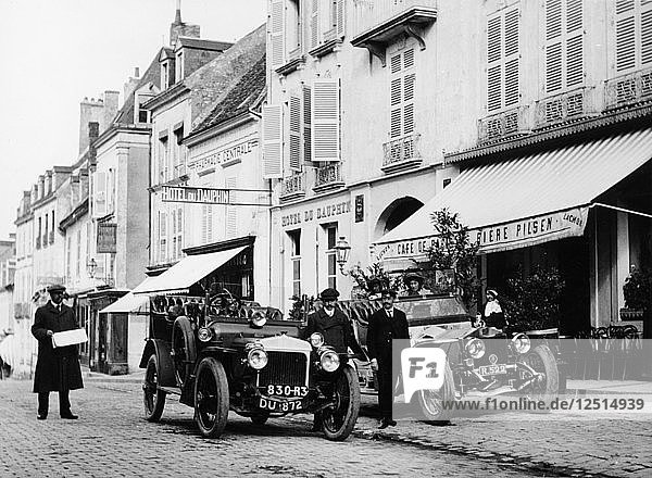 1909 Daimler and 1908 Rolls-Royce Silver Rogue  France  October 1908. Artist: Unknown
