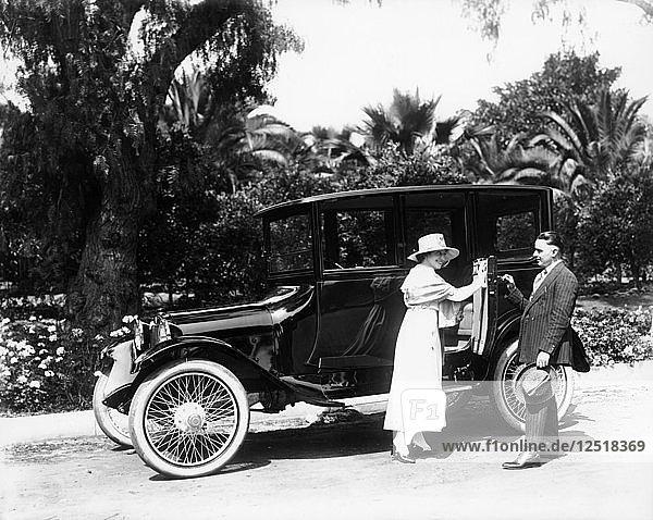 A 1916 Dodge 4  (1916?). Artist: Unknown