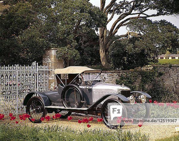 A 1913 Vauxhall. Artist: Unknown