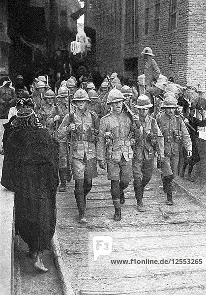 British troops on the way to Baghdad  First World War  1917  (c1920). Artist: Unknown