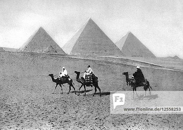 The Pyramids of Giza  Cairo  Egypt  c1920s. Artist: Unknown