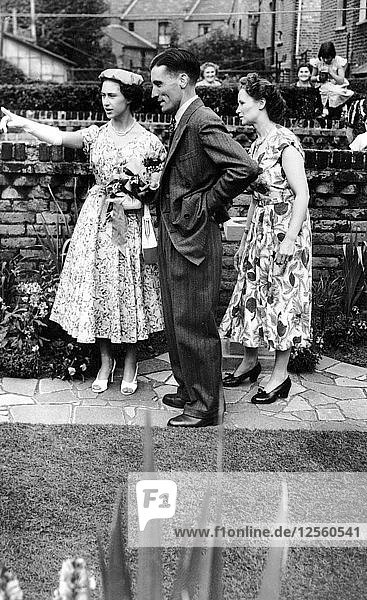 Princess Margaret with Mr and Mrs Wiggins  Stoke Newington  London  1953. Artist: Unknown