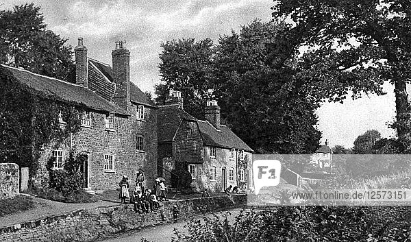 The Swan Inn  Fittleworth  Sussex  c1922. Artist: Horace Walter Nicholls