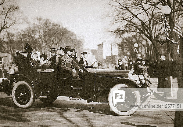 US President Warren G Harding returning from his inauguration  Washington DC  USA  4th March 1921. Artist: Unknown
