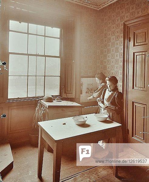 Housewifery  Barnsbury Park School  Islington  London  1908. Artist: Unknown.