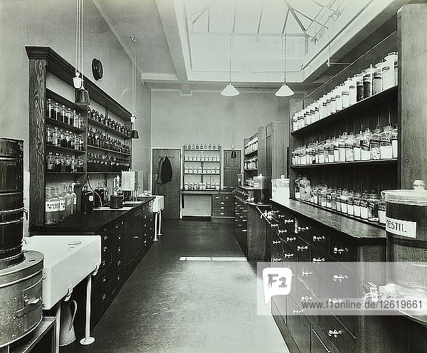 Dispensary for out-patients  Hammersmith Hospital  London  1935. Artist: Unknown.