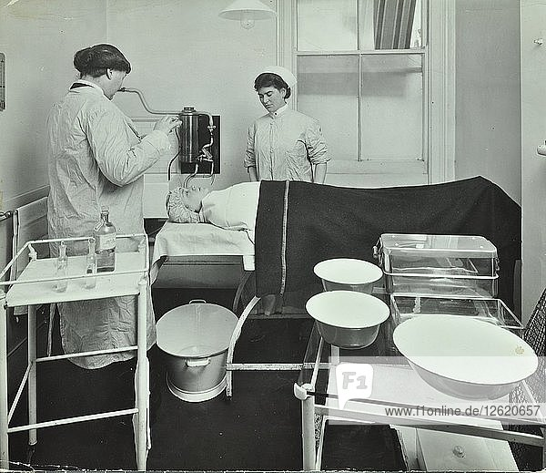 Operating Room  Fulham School Treatment Centre  London  1914. Artist: Unknown.