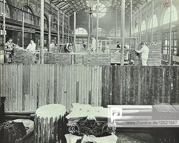 Building class  School of Building  Brixton  London  1911. Artist: Unknown.