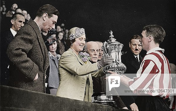 The Queen Presents The Cup  1937. Artist: Unknown.