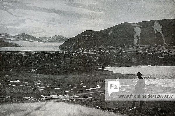 The Mouth of Dry Valley  Showing The Commonwealth Glacier  1912  (1913). Artist: Frank Debenham.