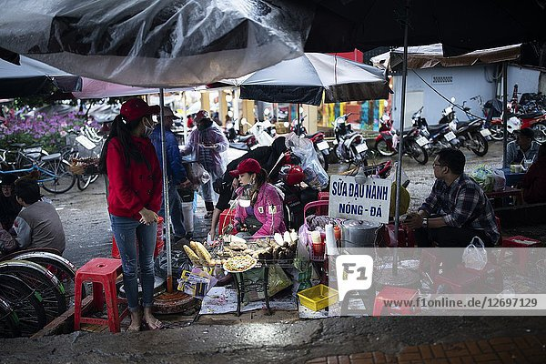 Da Lat night market  Vietnam