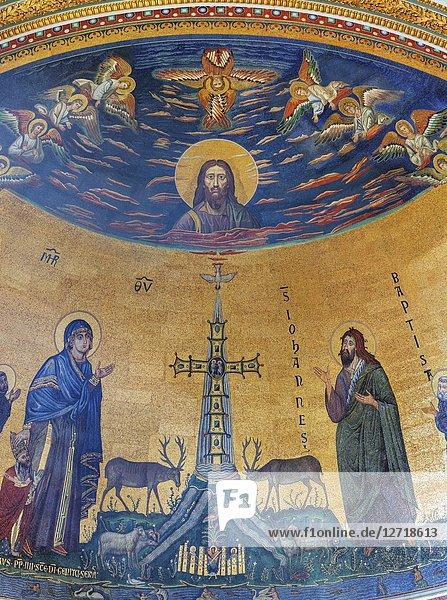 Mosaics  Archbasilica of St. John Lateran interior  San Giovanni in Laterano  Rome  Lazio  Italy.