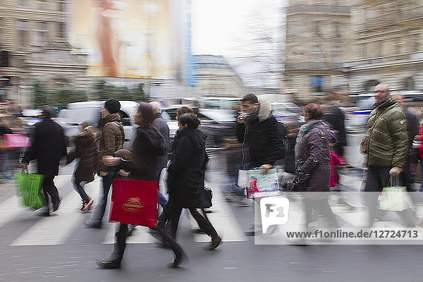 France  Paris  Haussmann Boulevard  Christmas shoppping  December 2014.
