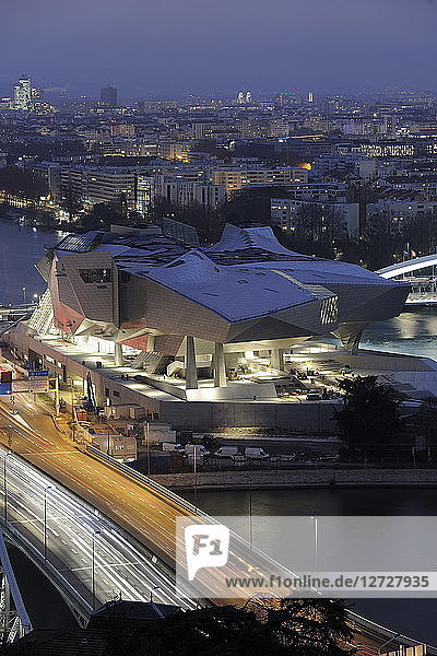 France  South-Eastern France  Lyon  Musee des Confluences  (architect Coop Himmel)  general aerial view with the highway A7 in the foreground  by night. Mandatory credit: architect Coop Himmel