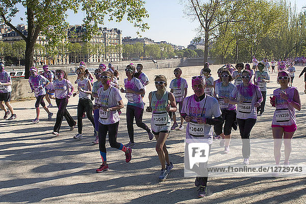 France  Paris  The Color Run  runners