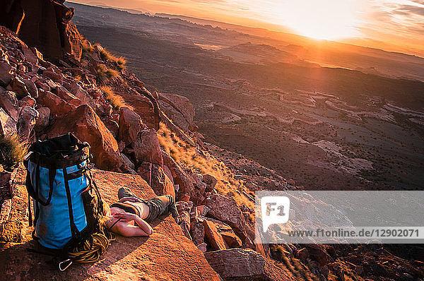 Felskletterer  Desert Towers  Indian Creek  Moab  Utah  USA