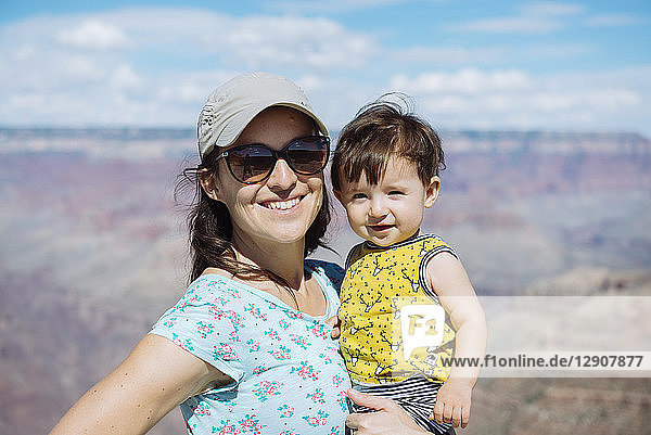 USA  Arizona  Grand Canyon National Park  Grand Canyon  Portrait of mother and little daughter