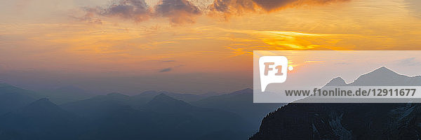 Germany  Bavaria  Allgaeu  Allgaeu Alps  View from Zeigersattel at Nebelhorn at sunset