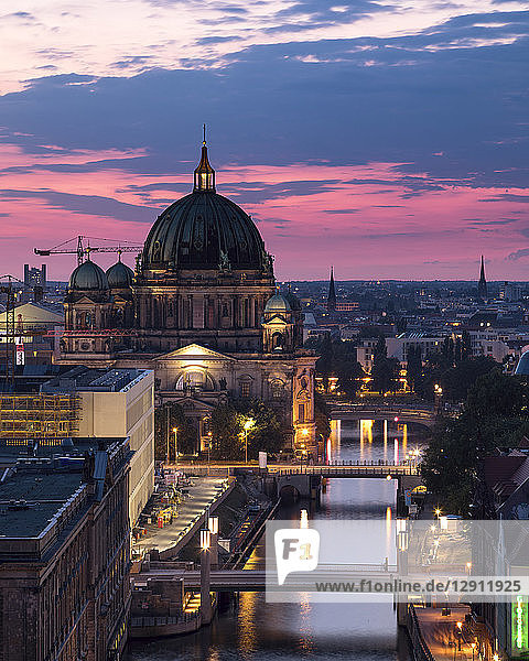 Germany  Berlin  elevated city view at morning twilight