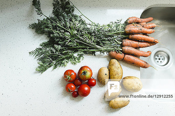 Fresh vegetables at basin