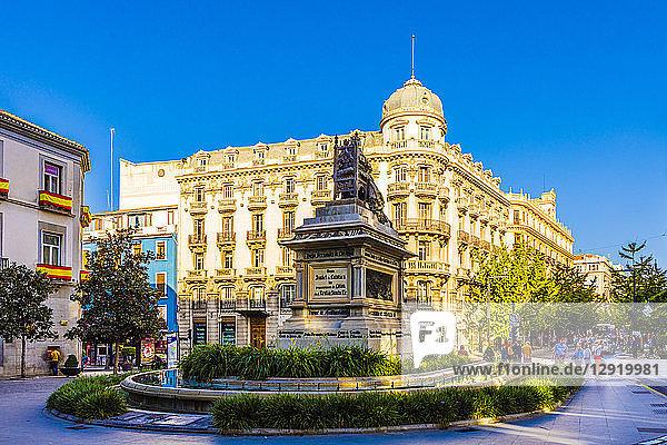 Plaza Isabel La Catolica  Granada  Andalucia  Spain  Europe