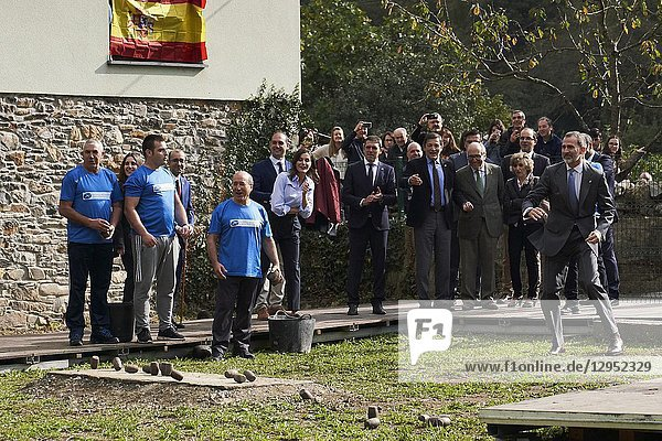 Queen Letizia of Spain  King Felipe VI of Spain visit 2018 Exemplary Region of Moal (Cangas de Narcea) on October 20  2018 in Oviedo  Spain. The Region of Moal was honoured as the 2018 Best Asturian Village.