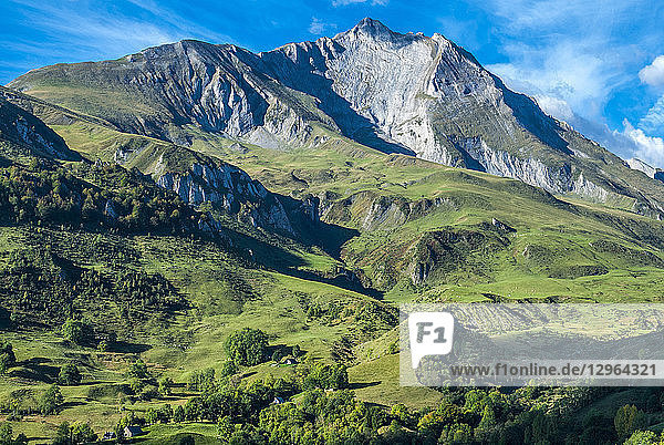 France  Pyrenees National Park  Occitanie region  Val d'Azun  Pic du Grand Gabizos (2 691 meters) seen from the col du Soulor (mountain pass)