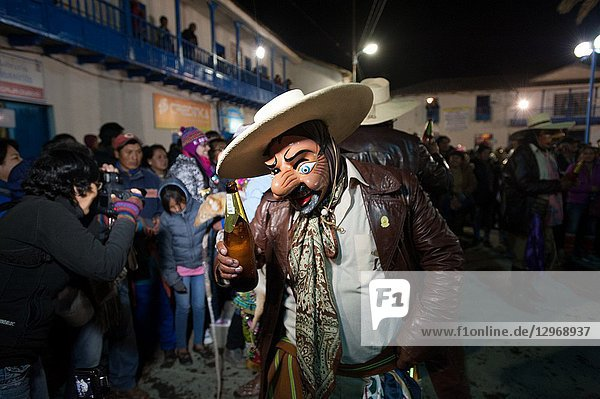 Majeno's dancing with beer. Peru.