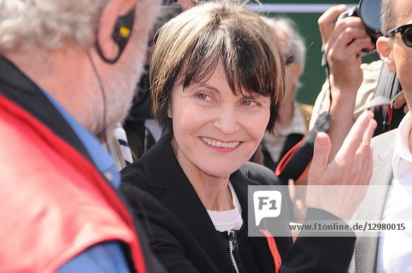 Former Federal councillor Micheline Calmy-Rey among union demonstrators at the swiss national day in Zürich.
