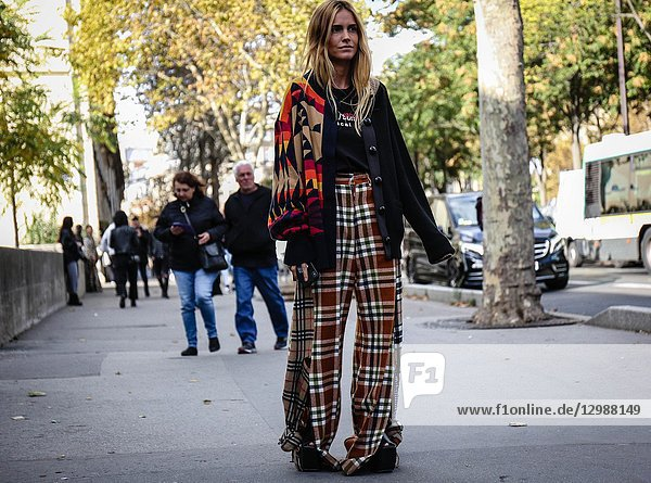 PARIS  France- October 1 2018: Blanca Miro' Scrimieri on the street during the Paris Fashion Week.