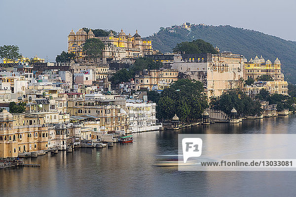 Lake Pichola and the City Palace in Udaipur  Rajasthan  India