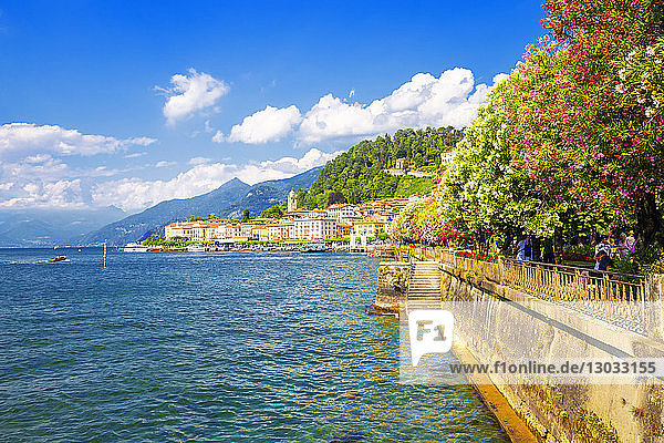 The lake side of Bellagio  Province of Como  Lake Como  Italian Lakes  Lombardy  Italy