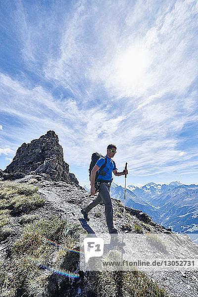 Wanderer auf dem Mont Cervin  Matterhorn  Wallis  Schweiz