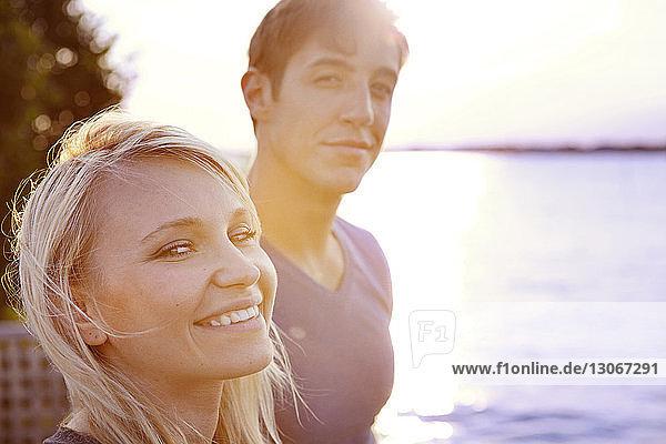 Porträt eines Ehepaares am See