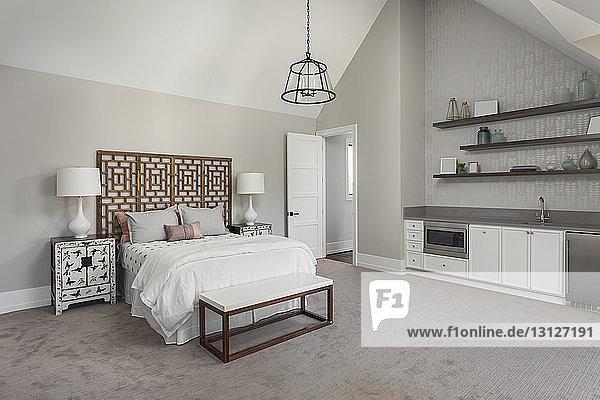 Interieur eines modernen Schlafzimmers zu Hause