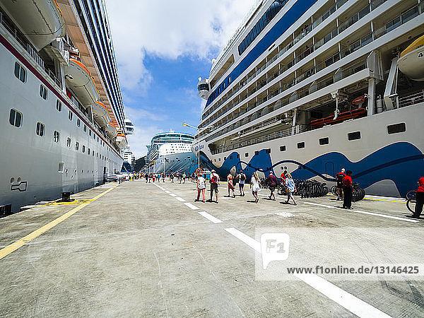 Caribbean  Sint Maarten  Phillipsburg  Tourists leaving cruise liners to visit Sint Maarten