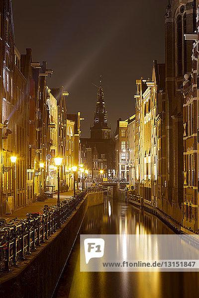 Oudezijds Kolk with Oude Kerk (Old Church)  Amsterdam  Netherlands