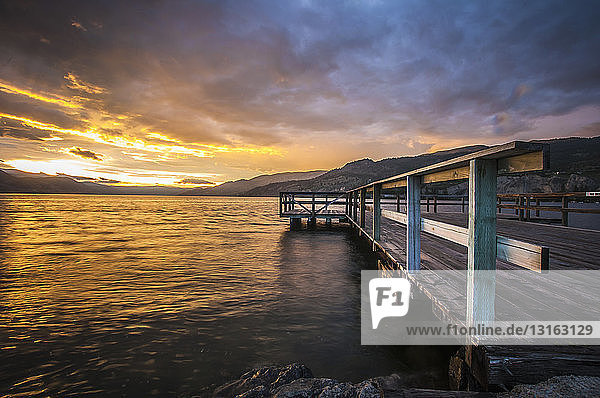 Wharf Park und Okanagan Lake im südlichen Okanagan-Tal  Naramata  Britisch-Kolumbien  Kanada