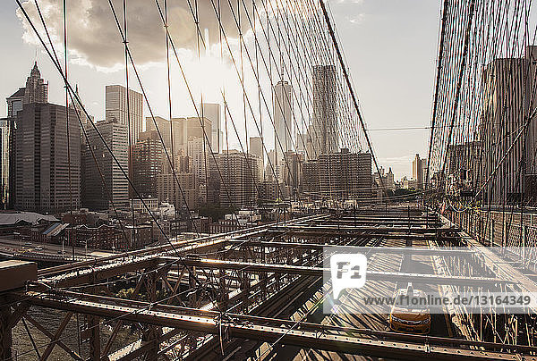 Brooklyn Bridge  Lower Manhattan  New York  USA