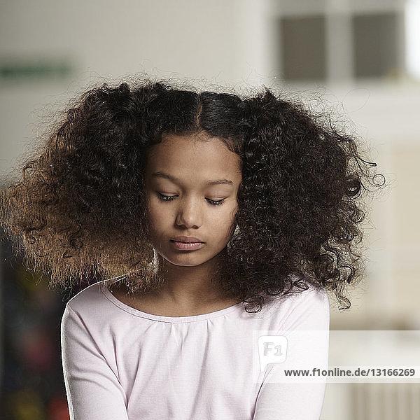 Porträt eines traurigen Mädchens