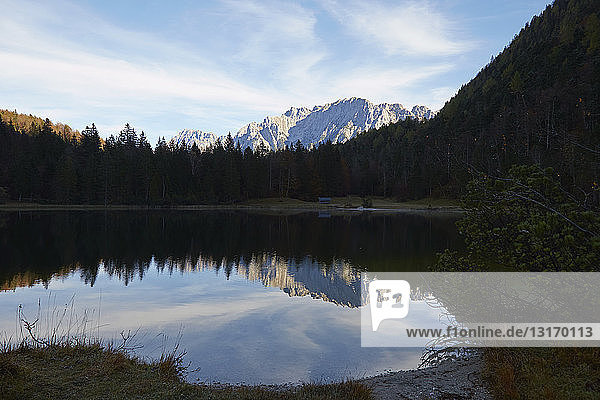 Panoramablick mit See  Ehrwald  Tirol  Österreich
