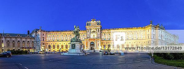 Österreich  Wien  Nationalbibliothek  Blaue Stunde