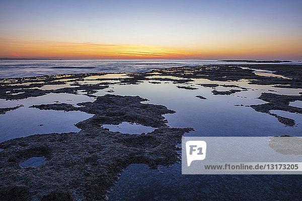 Afrika  Südafrika  Westkap  Kapstadt  Küste bei Sonnenuntergang