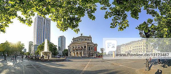 Deutschland  Hessen  Frankfurt  Panoramablick auf die Alte Oper